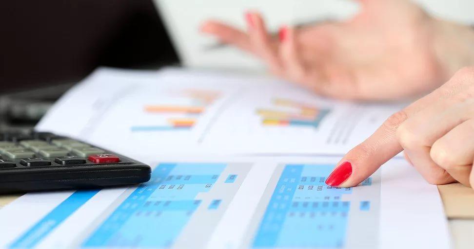 Кредитный испектор изучает ответы