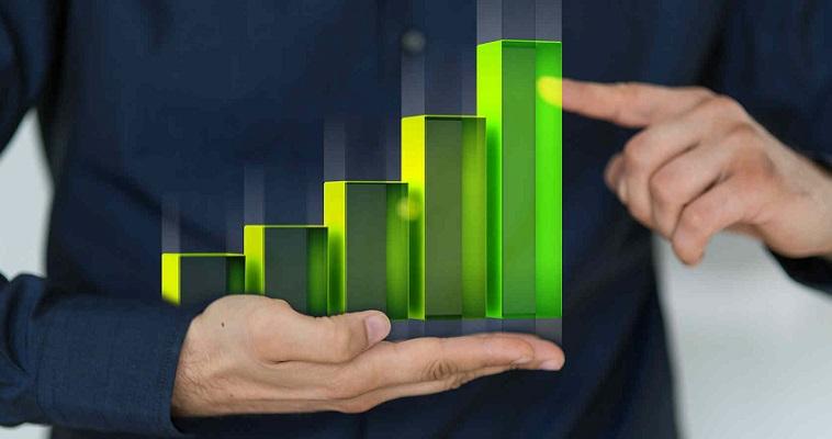 Схематичное изображение рейтинга в руках мужчины